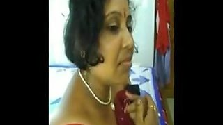Indian 41yo aunty Kalpana Das enjoying sex