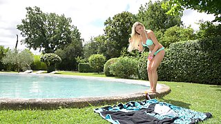 Sweet blonde Blanca Brooke likes to strip down outdoors