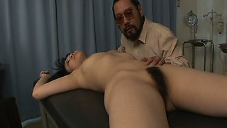 Perverted nerdy Japanese doctor wanna finger and eat pussy of busty gal