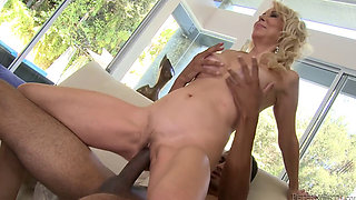 Mature mom enjoys her stepson's Dick