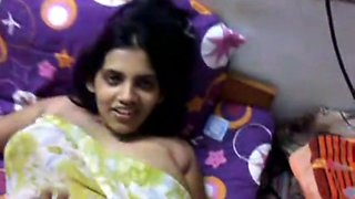 Sexy Indian Boobed Aunty