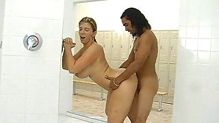 sara jay gym shower
