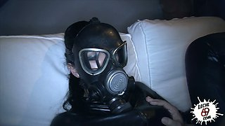 Curvaceous latex queen gets her soaking slit banged doggy late at night