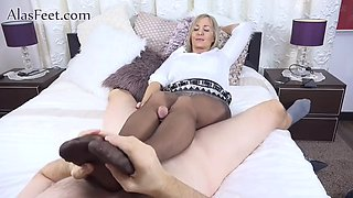 Ala b in pantyhose footjob
