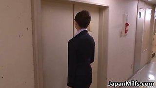 Akiho Yoshizawa  doctor loves getting