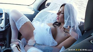 Hottest bride is happy to get the hard drilling from a skinny guy