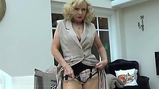 Mature Nylon Stocking Fetish Tease