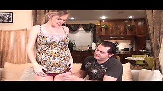 Pregnant amateur