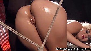 asain masseuse pussylicks blonde oiled babe