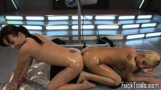 Lesbian machine milfs squirting while toying
