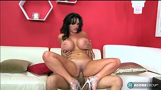 Super-hot big-titted cougar gets annihilated by a horny stud