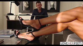 LoveHerFeet - Lawyer Bill Bailey Worships His Client's Toes