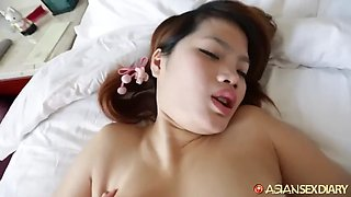 Zhibo shows of her awesome tits