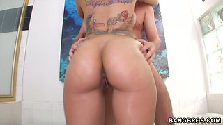 Rising porn star Yurizan Beltran pleasing cock in the bathroom