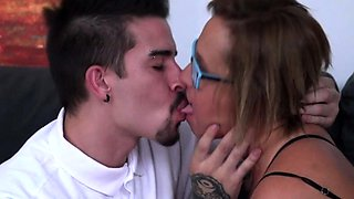 Spanish housewife Conchita fucking and sucking