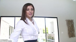 Bosomy super hot 20 yo American GF Leah Gotti is fucked in bathroom