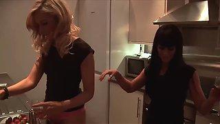 Amanda and anna drunk sex