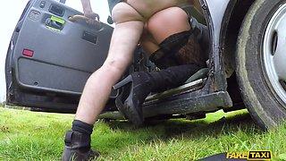 Horny Tourist Masturbates In Cab - FakeTaxi