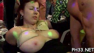tons of ladies are sucking dicks