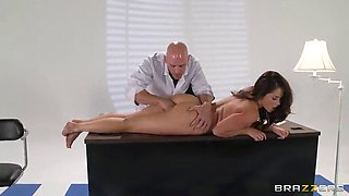 samm rosee attacked by a handsome doctor for a quick fuck