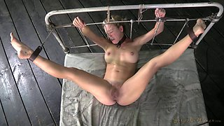 Widened slave smashed  hardcore missionary in BDSM