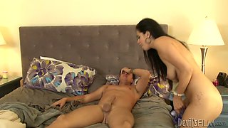 Aroused gal with great rack Brylee Remington fucks her hubby