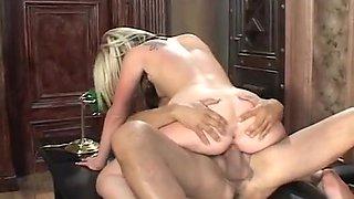 Office Secretary Giving Taste Of Vagina To Her Boss
