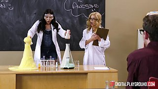 Sexy Alexis Fawx and Ariana Marie blowing nerd cock