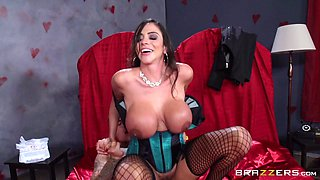 Incredible sex with the smoking hot mom Ariella Ferrera