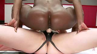 Female bodybuilder Kelli Provocateur is fucked by one strong white bitch