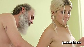 Pretty college girl is seduced and shagged by her elder ment