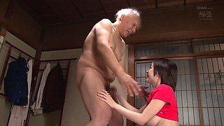 Aimi Yoshikawa cannot resist an elderly man's erected penis