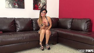 MILF with glasses uses two different toys to get herself off