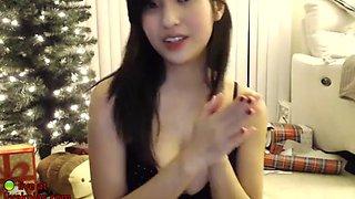 sexy asian camgirl has fun