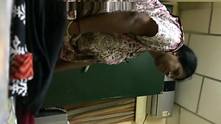 indian aunty dress changing