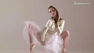 elegant ballerina ksyuha zavituha exposes her nude flexy body