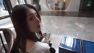 Chinese Girl Posing and Have a Sex in Hotel Room