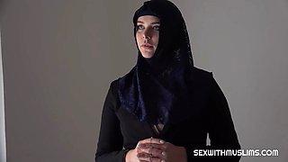 Disgraced muslim hijab takes dick like a champ