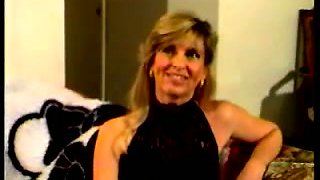 Busty blonde cougar having wild quickie with a skinny man in the kitchen