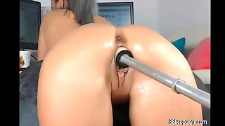 hot girl with sexy ass likes big dildo anal machine