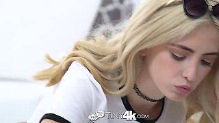 Blonde vixen screws her tennis instructor
