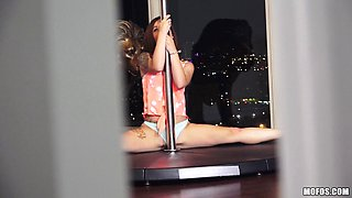 Flexible stripper gives him a lap dance then rides his hard cock